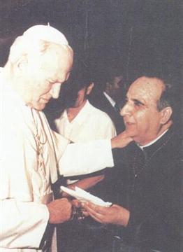 PAPA JUAN PABLO II Y PADRE LUIS
